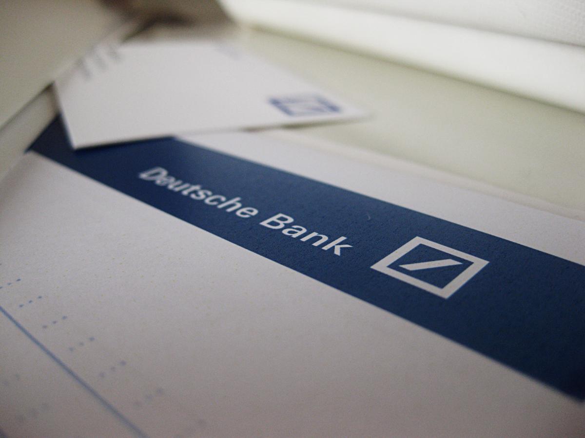 Disainerihärrale meeldib väga Deutsche Banki maitsekas, soliidne ja lihtne logo!