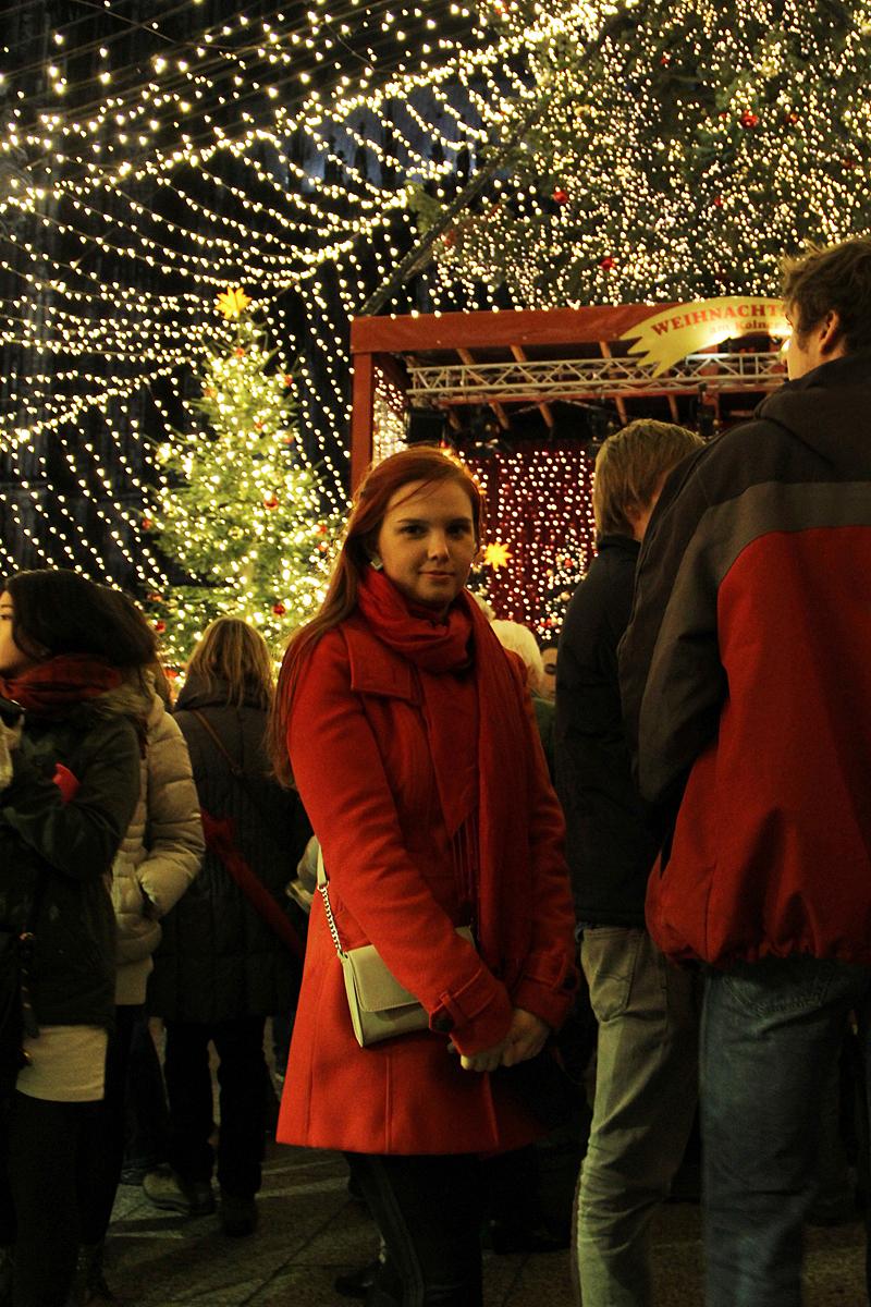 Kohtasin Kölnis täpselt seda sama nägusat neiut, kes Düsseldorfi jõuluturulgi silma jäi