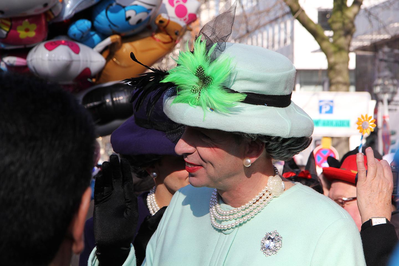 Isegi kuninganna Elizabeth II ei pidanud paljuks Düsseldorfi pidustusi oma silmaga kaema tulla