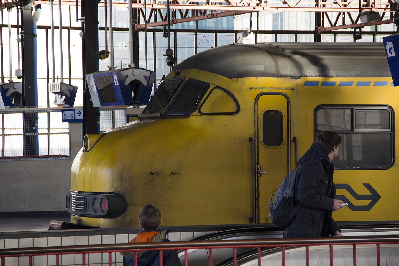 Buss peatus raudteejaama kõrval, kus jäid silma Saksamaast väga erinevad rongid. Need rongid olid nagu kuskilt multikast, sellise naeratava näoga.