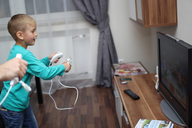 Kodus olles oli põhiteemaks Nintendo Wii poksivõistlused. Poiss oli pärast matši higine ja värises, pulss hinnanguliselt 200.