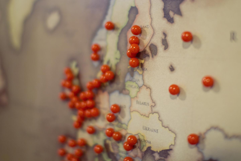 Eindhoveni Escape Roomi külastajad. Saime maailmakaardil Eesti peale kah esimese märke pandud.
