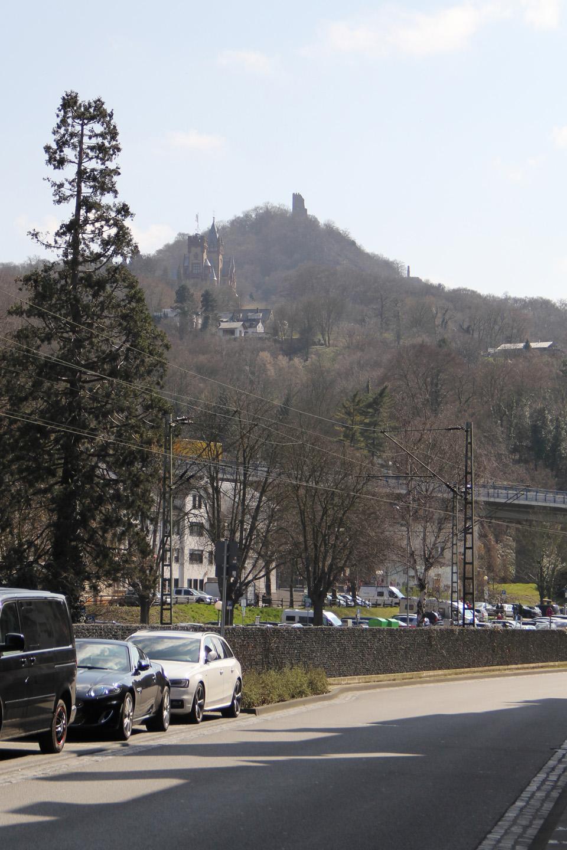 Vaade Königswinteri linnakesest. Taamal Burg Drachenfels.