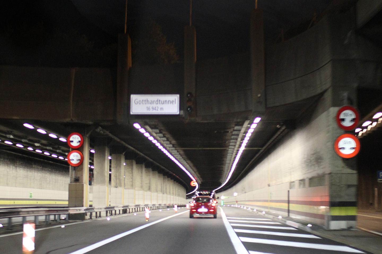 Šveitsis 17 km pikkune tunnel.