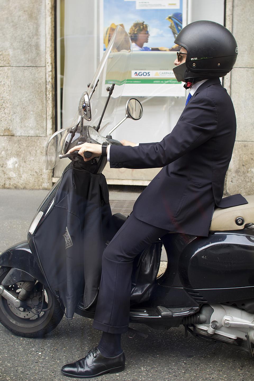 Moepealinna Milano stiilinäide...ülikond + roller.