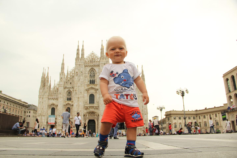 ...isegi 1-aastase Gustavi kõrval oli katedraal kui posike. Napilt Gustist lühem.