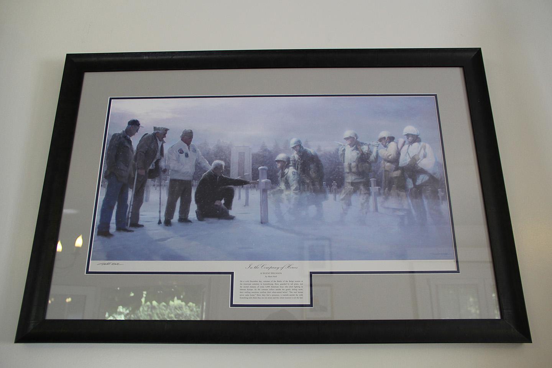 Väga diip pilt...vasakul veteranid ja paremal nende kadunud kamraadid, kes sinna platsile maetud.